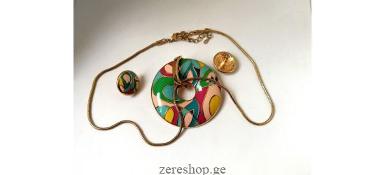 The exact FreyWille imitation necklace and earring trio
