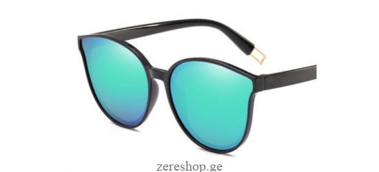 Fashion sunglasses with mirror surface, teal color